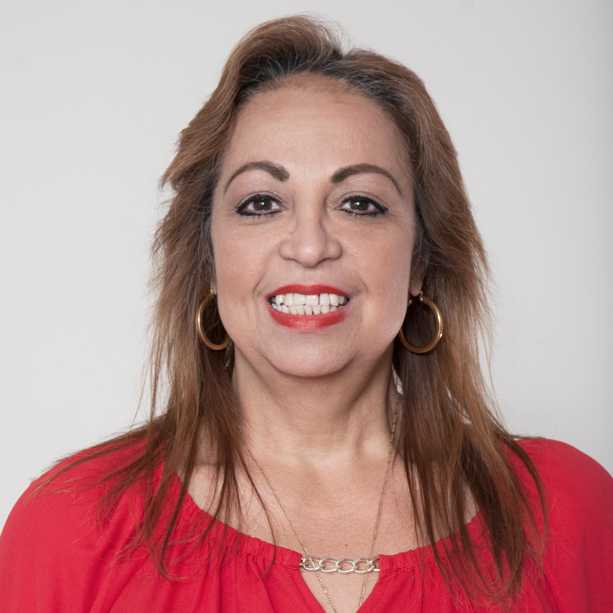 Ilaine Pérez, Community & Social Service Intake